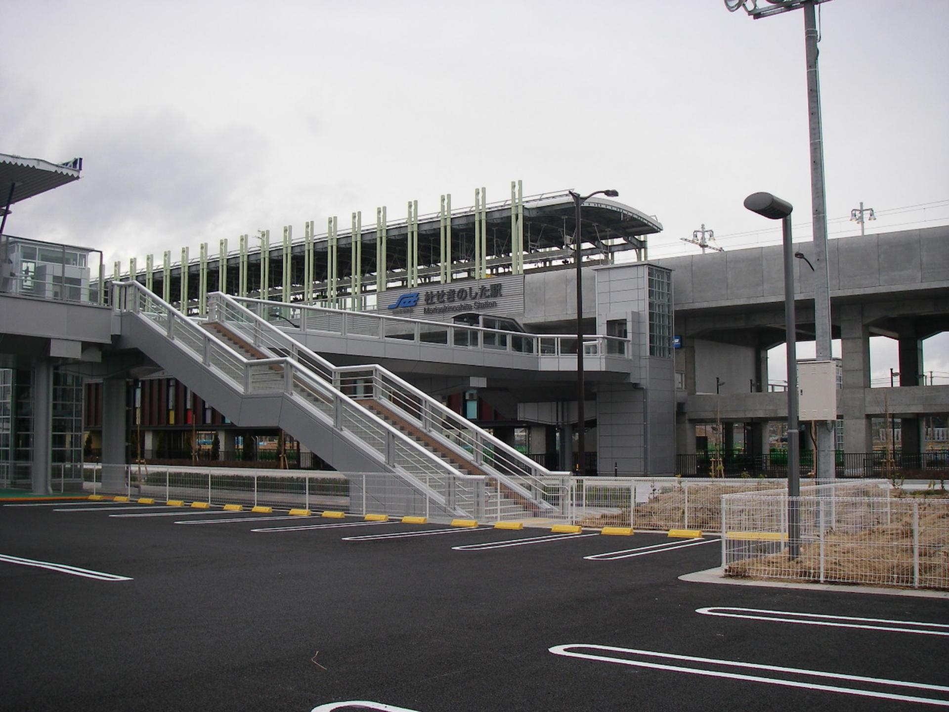 関の下歩道橋