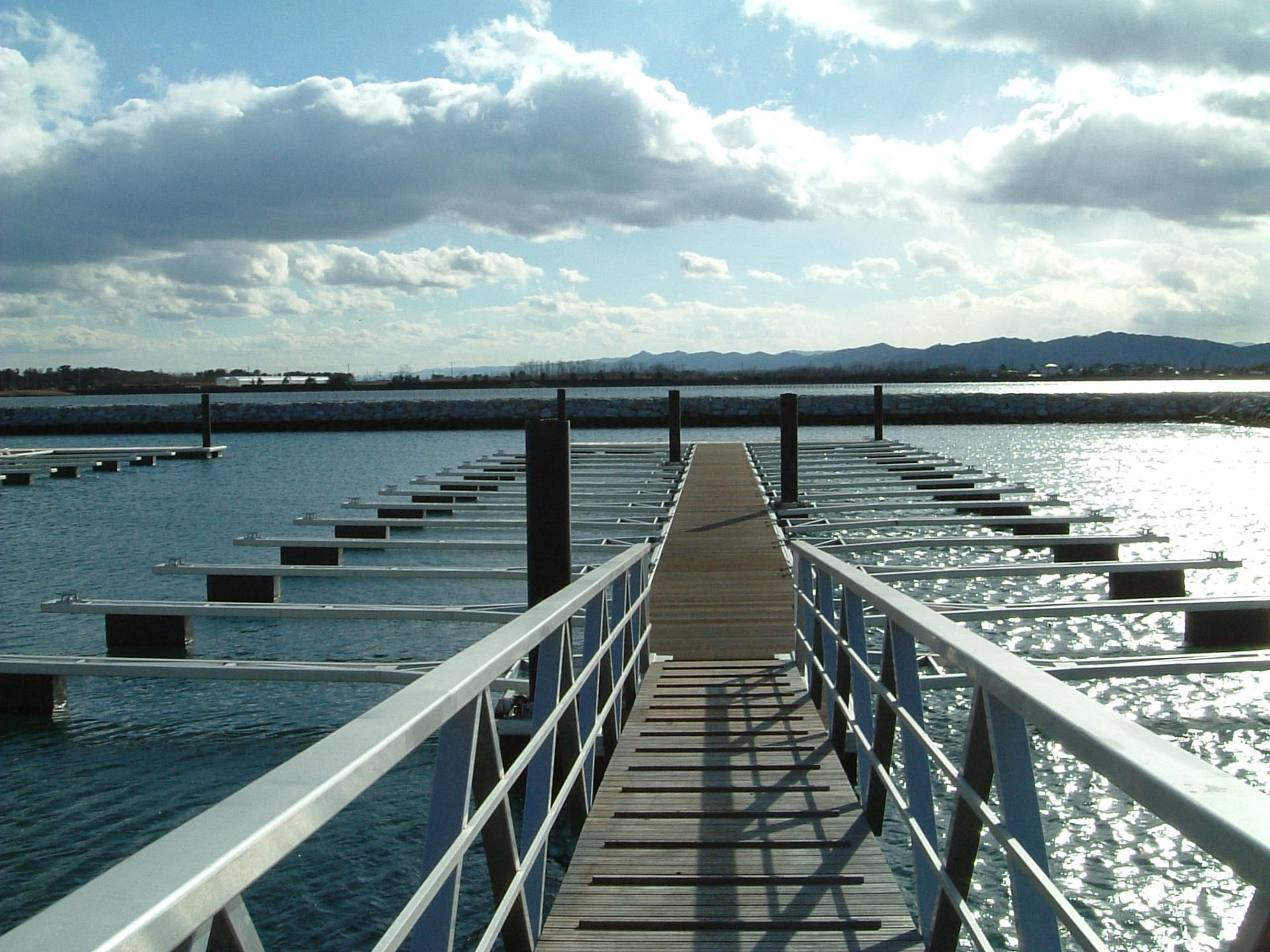 荒浜浮き桟橋