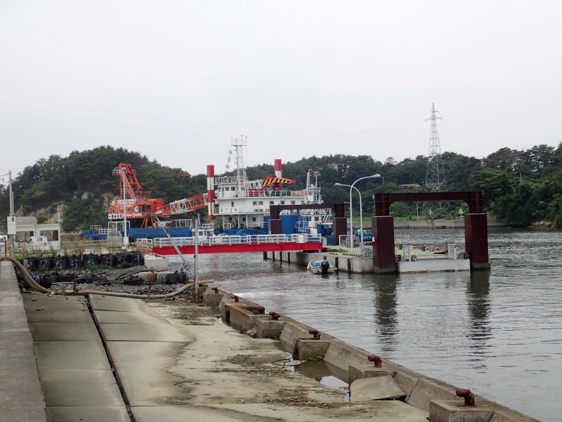 浮き桟橋工事